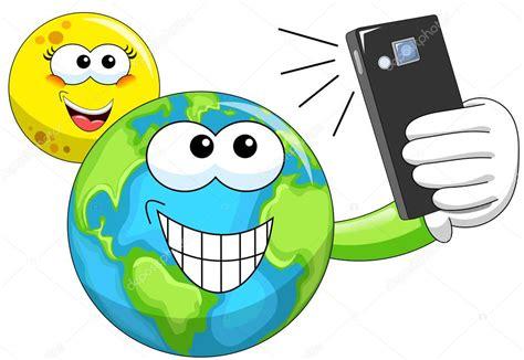 Dibujos animados de luna y la tierra tomando selfie ...