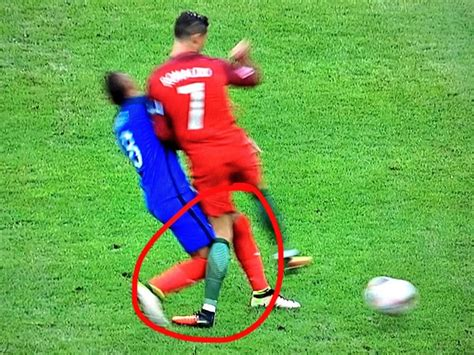 Dimitri Payet takes Twitter hate for injuring Cristiano ...