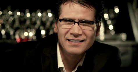 Dios manda lluvia - Jesus Adrian Romero - Musica Cristiana ...