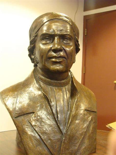 Diputados conmemoran natalicio de José María Morelos y Pavón