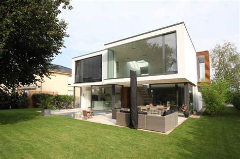 Diseño de casa moderna de dos pisos   Construye Hogar