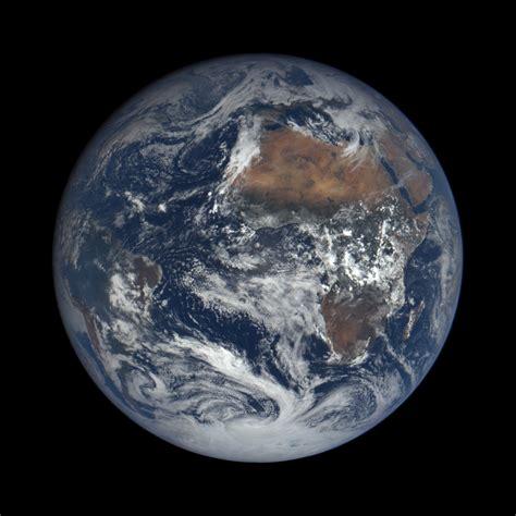 Disfruta de imágenes de la Tierra a 1,5 millones de ...