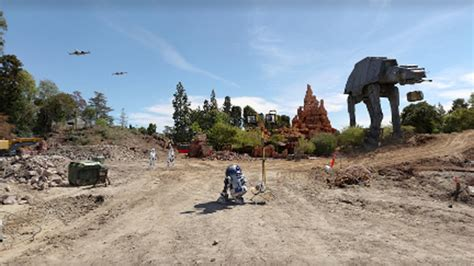 Disneyland Offers First Glimpse of 'Star Wars' Land as ...