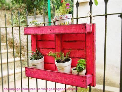 DIY: Estantería para macetas con palets reciclados ...