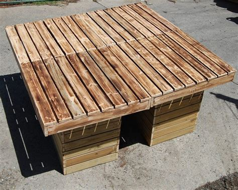 DIY Outdoor Pallet Patio Table | Pallet Furniture