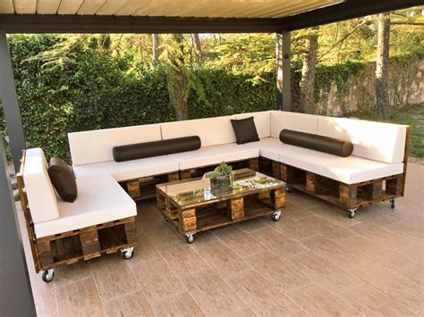 DIY Pallet Patio Sofa Set / Poolside Furniture | 99 Pallets