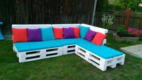 DIY Pallet Sectional Sofa Ideas | Pallet Furniture Plans