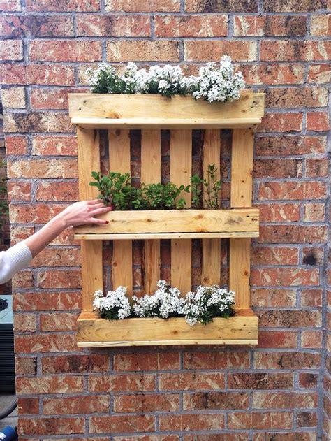 DIY Shipping Pallet Garden Ideas - Pallet Idea
