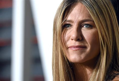 Does Jennifer Aniston Smoke? Plus See More Facts About the ...