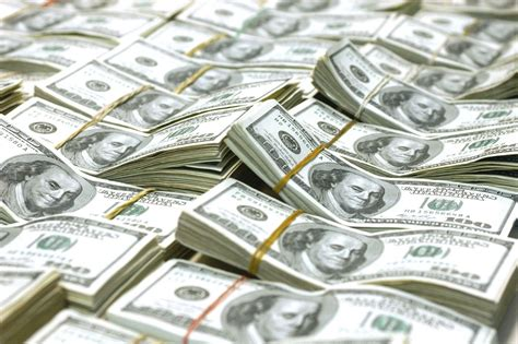 Dólar arranca la semana en $19.15 en casas de cambio de AICM