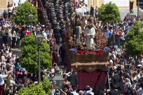 Domingo de Ramos en Andalucía   El paso de Cristo de la ...