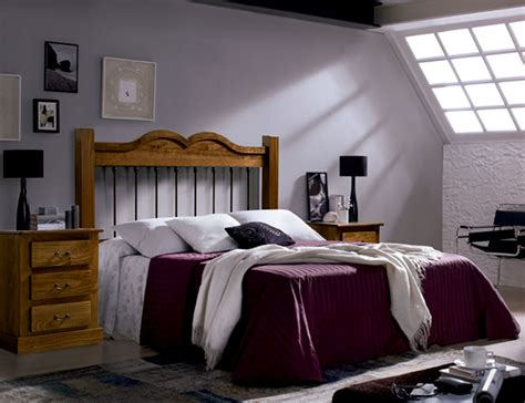 Dormitorio de matrimonio con cabecero forja en madera de ...