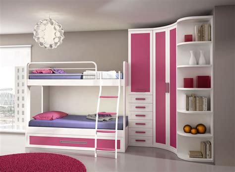 Dormitorio juvenil con litera y armario incorporado