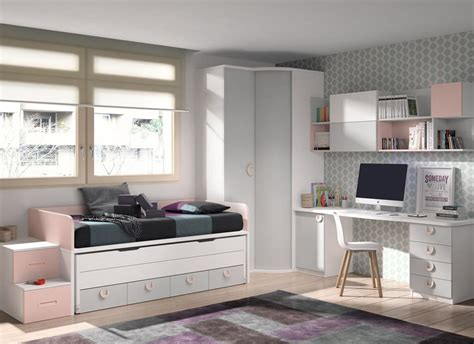 Dormitorio juvenil con un gran armario dos puertas curvo ...
