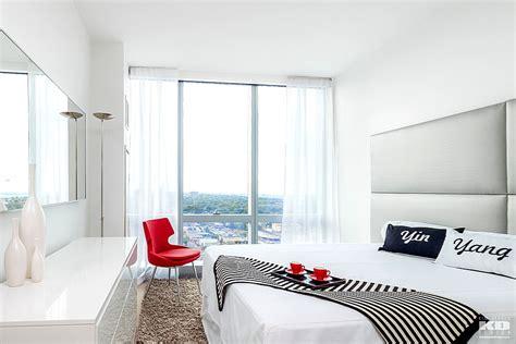Dormitorios modernos de matrimonio en pocos metros