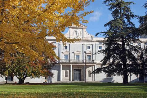 Dos de cada tres graduados de la Universidad de Navarra ...