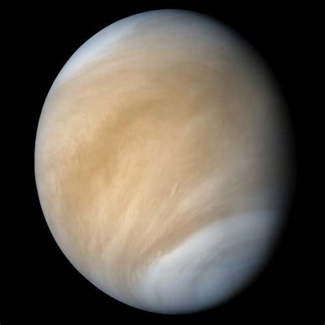 Dosis Astronomica: Venus es el único planeta que gira en ...