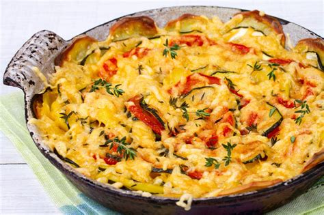 Dovlecei cu cartofi și roșii la cuptor - Retete culinare ...