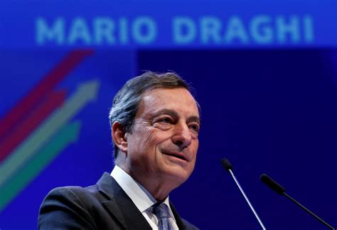 Draghi destaca la