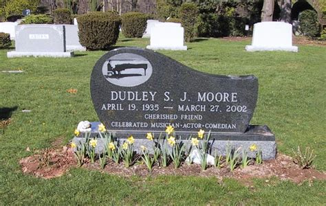 Dudley Moore  1935   2002    Find A Grave Memorial