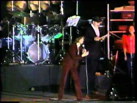 DVD Luis Miguel Arena Mexico 1983 Popurri boleros - YouTube