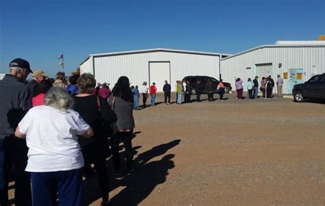 Early voting continues to favor Democrats in New Mexico ...