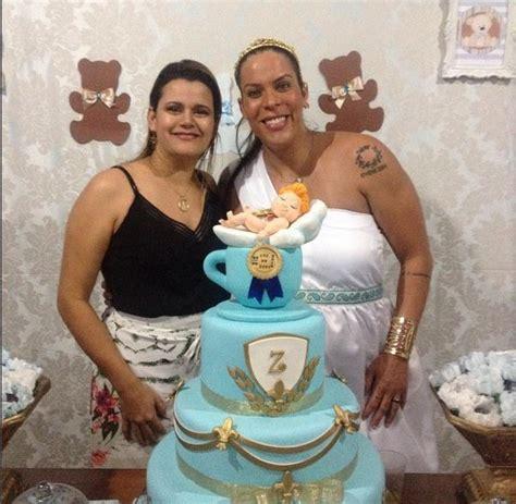 EGO   Rebeca Gusmão faz chá de bebê para o filho e se ...