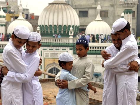 Eid al Fitr 2017: When is it, how do Muslims around the ...