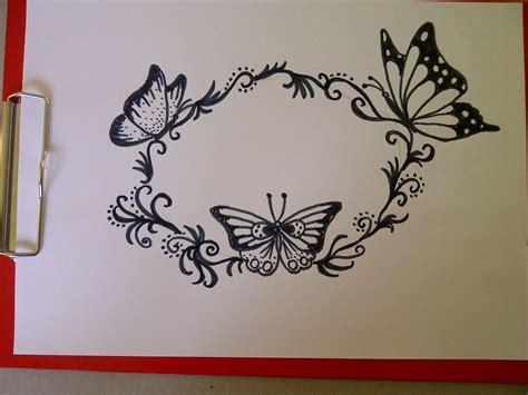 Einen Schmetterling zeichnen. Schöne Verzierungen/Muster ...