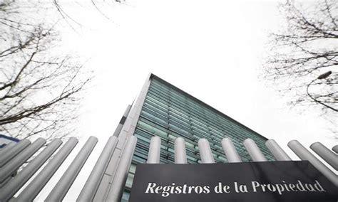 El 80% de los nuevos registradores de la propiedad son ...