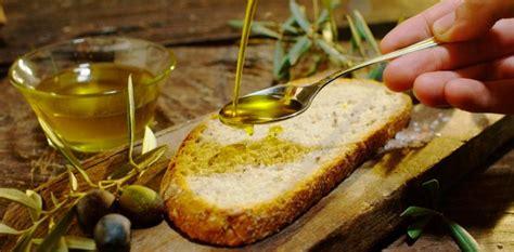 El aceite de oliva podría ayudar a aliviar síntomas de la ...