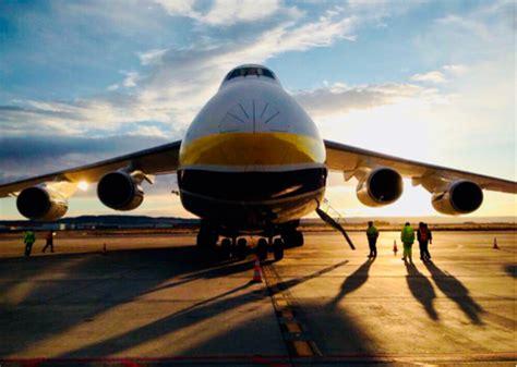 El Aeropuerto de Zaragoza recibe la visita de uno de los ...