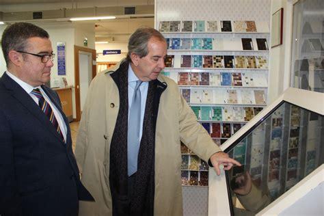 El alcalde de Arganda del Rey visita Azulejos Peña ...