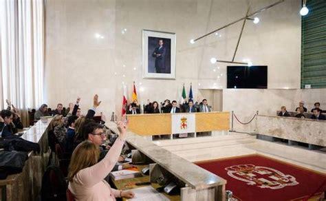 El alcalde niega cobrar más que Rajoy y culpa a Hacienda ...