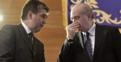 El asesor de Cosidó y un comisario relacionado con el ...