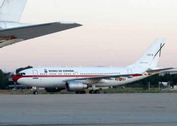 El avión del presidente y el rockero Pedro Sánchez ...