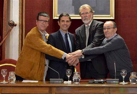 El Ayuntamiento de Alcalá y los agentes sociales renuevan ...