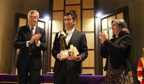 El Ayuntamiento felicita a Juan Mayorga, nuevo miembro de ...
