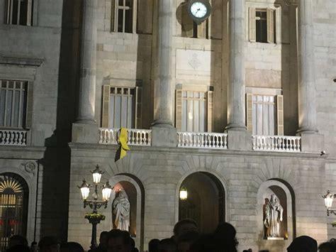 El Ayuntamiento recupera el lazo amarillo