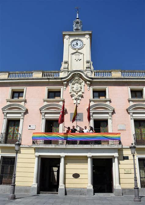El Ayuntamiento se viste con los colores del Orgullo ...