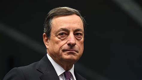 El BCE discuti subir los tipos antes de que acabe el 'QE'