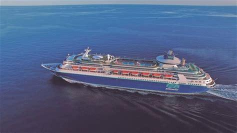 El buque Sovereign de Pullmantur Cruceros llega a Tenerife
