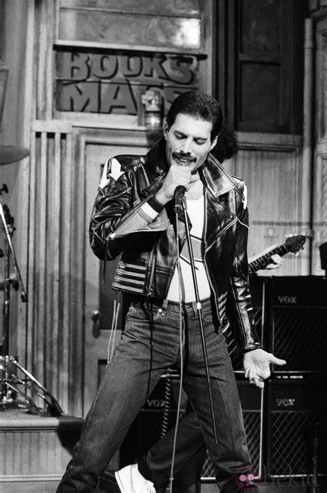 El cantante Freddie Mercury murió a los 45 años: Fotos en ...
