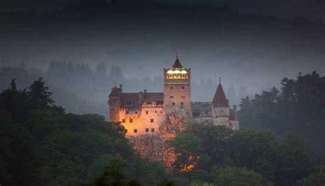 El Castillo de Drácula: Un recorrido por su interior  FOTOS