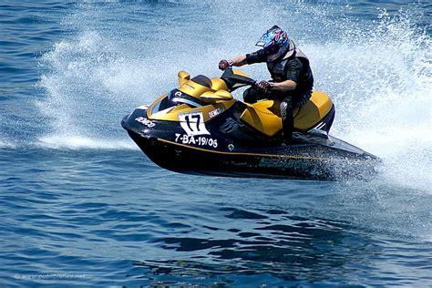 El comercio de las motos acuáticas sigue en aumento pese ...