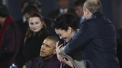 """El Decamerón comunista? Putin se la """"apoya""""a la mujer de ..."""