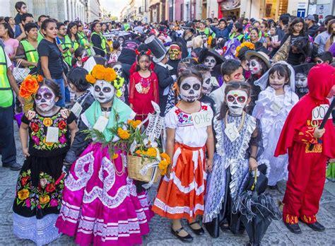 El día de los Muertos en México | DECALAVERAS.COM