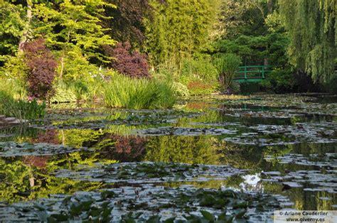El estanque de Monet en junio – Giverny