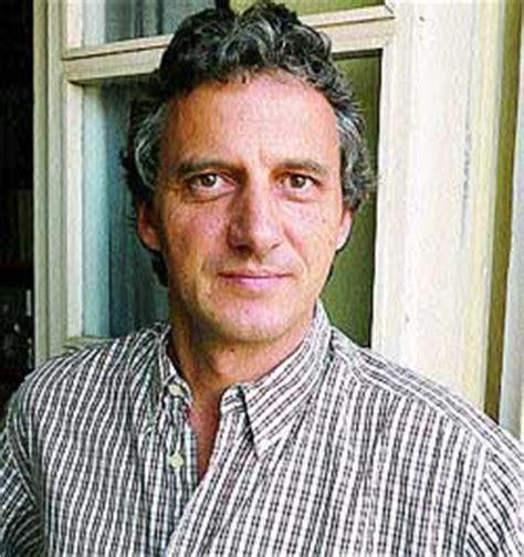 «El euskera es más rico en sonidos que el castellano»