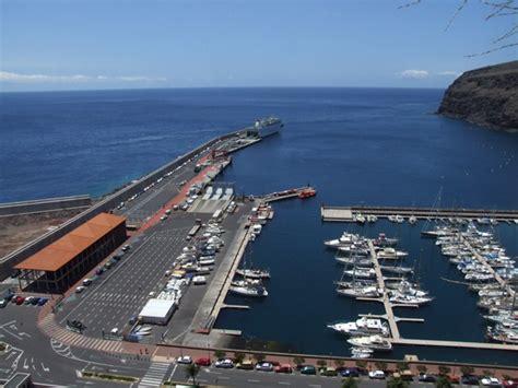 El ferry para la línea marítima interior de La Gomera ...